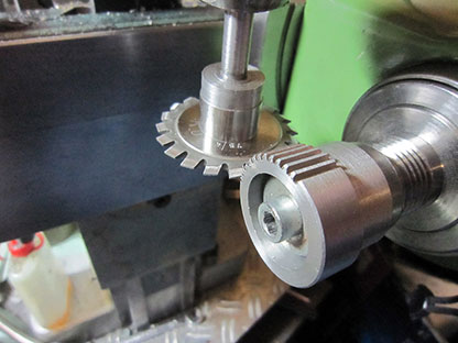 Threading attachment, cutting a gear